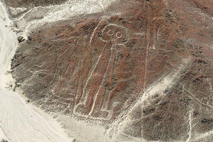 De astronaut, een van de Nazca lijnen