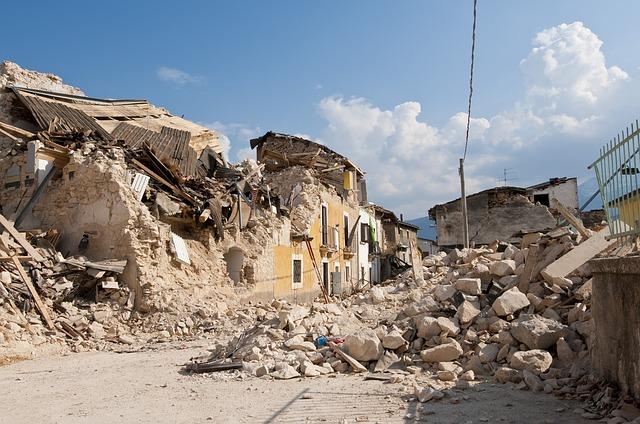 Ruïnes na een aardbeving in Peru