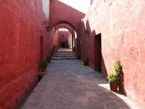 Straat in Santa Catalina klooster